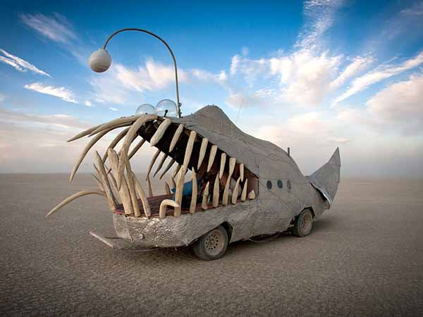burning-man-cars-01-0512-lgn