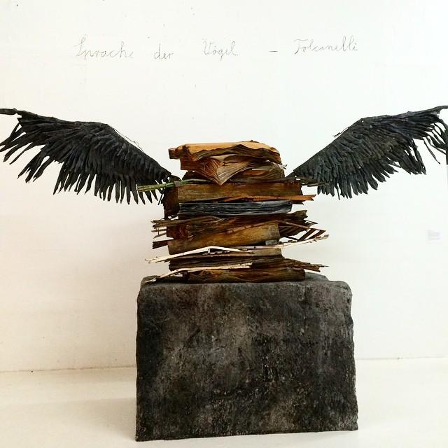 carmina baker en art basel miami 1 escultura Anselm Kiefer_Sprache der Voëgel_1989