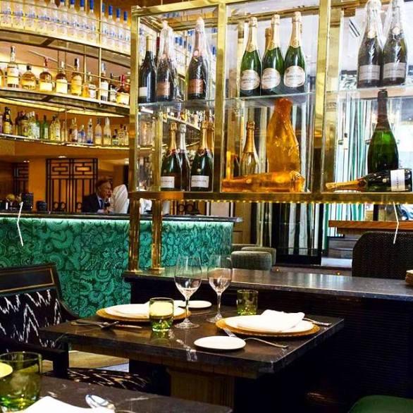 carmina baker en restaurante caray decoracion lorenzo castillo 0