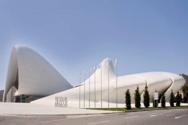 Centro-cultural-Heydar-Aliyev-Zaha-Hadid 2