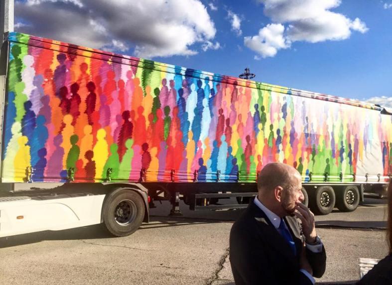 carmina baker en arco art truck project carlos urroz