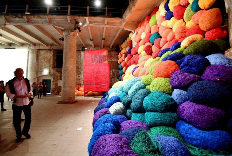 biennale di venezia - instalación de Sheila Hiks