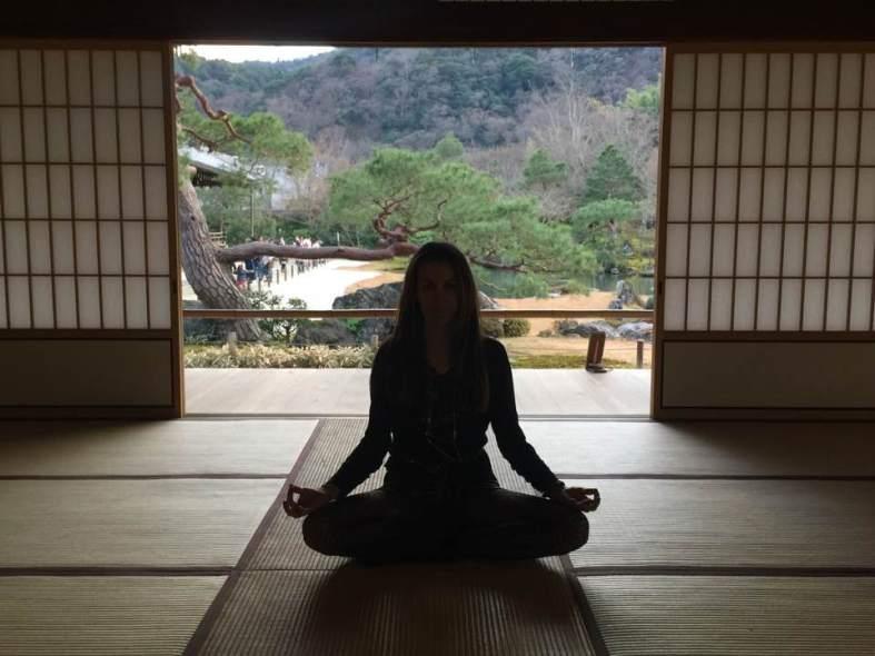 yoga beneficios para niños carmina baker meditacion japon