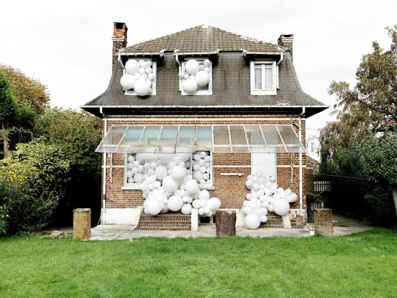 charles-petillon-balloons arte hinchable photography
